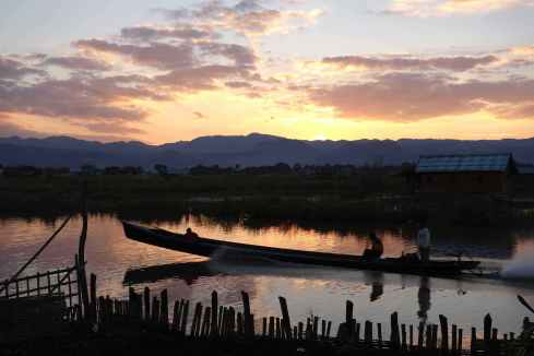 From my hut in Inle Lake sunset was stunning